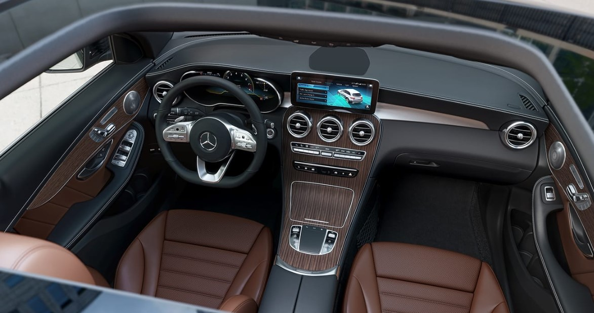 2020 Mercedes GLC 300 Interior